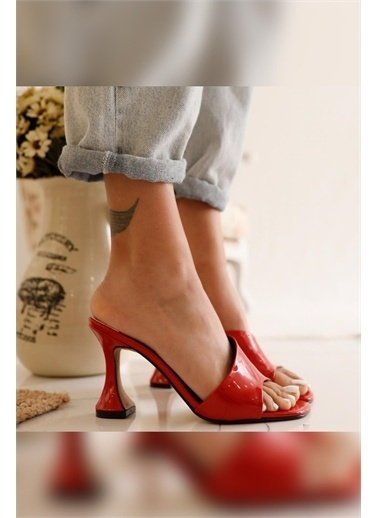 Limoya Caroten Rugan Ince Topuk Detaylı Terlik Kırmızı